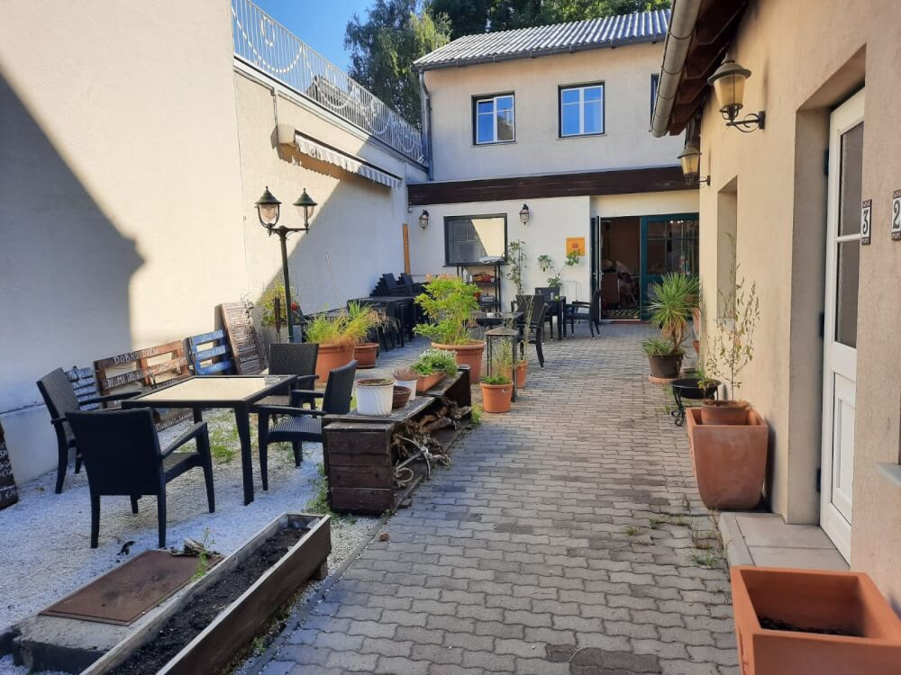 Pension Stankovic Apartments  Hr.Stankovic 2345 Brunn am Gebirge  15976733855f3a8fa984012